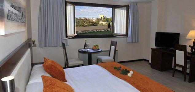 Habitación Especial. Hotel Don Felipe. Segovia