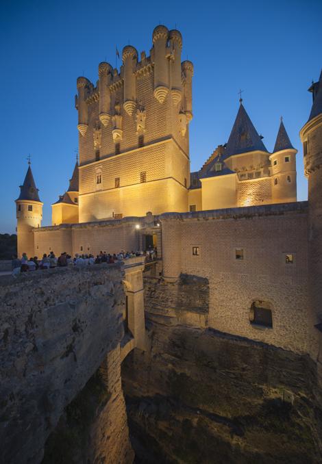 Visitas guiadas nocturnas a la Real Casa de Moneda y Alcázar